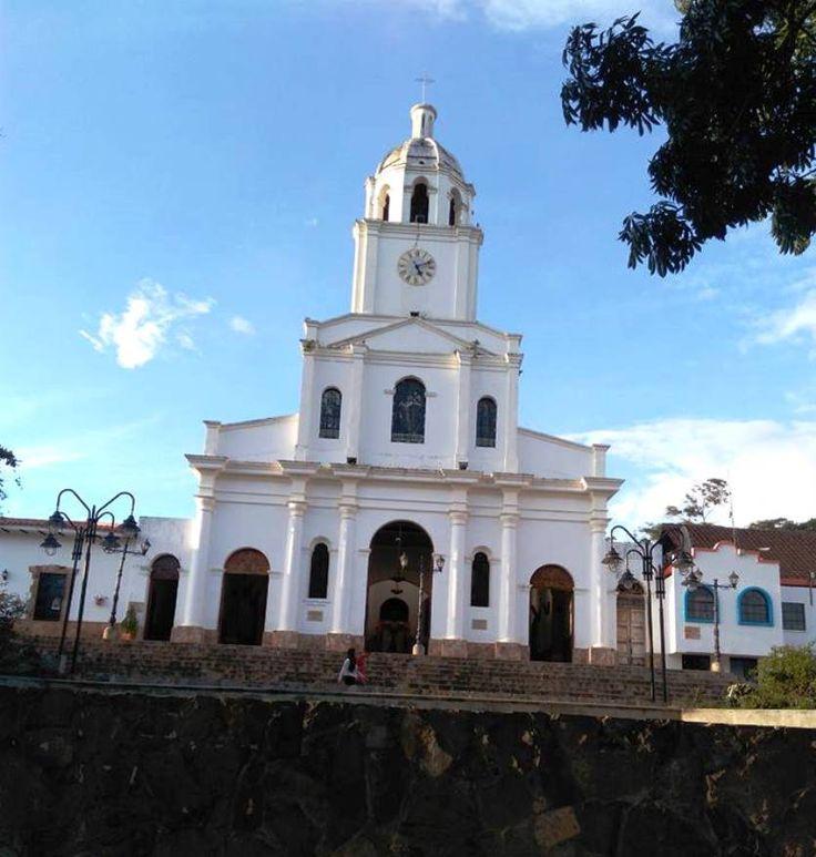 Colombia - Templo en Jordán, Santander.