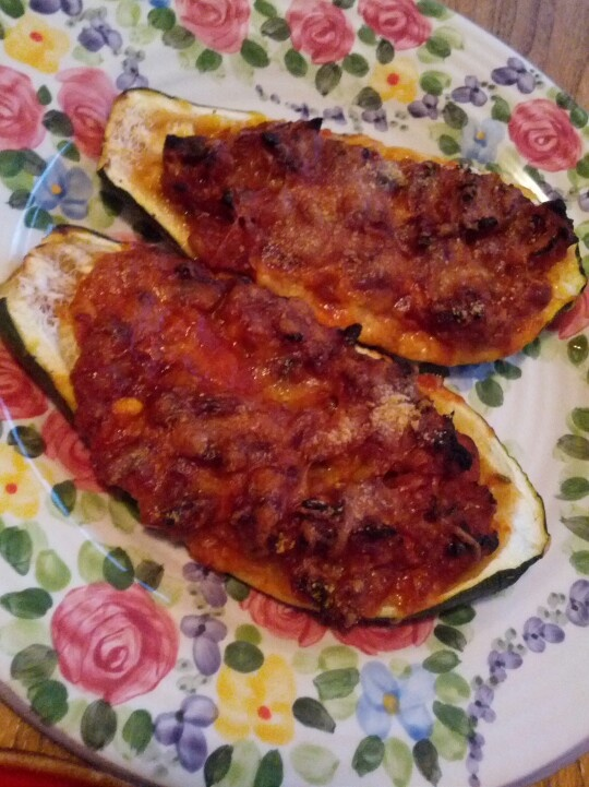 Kalynskitchen.com Meat, Tomato, and mozzarella stuffed Zucchini Cups ...
