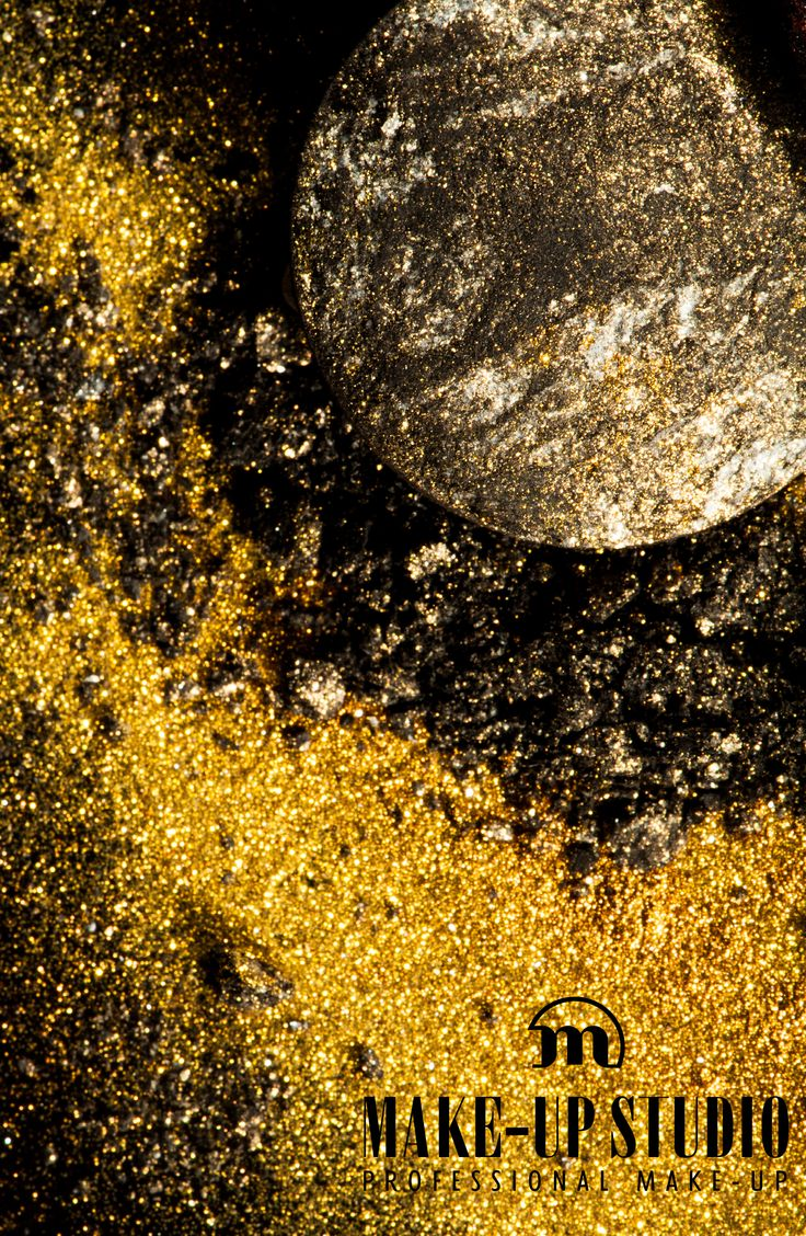 "Our Eyeshadow Moondust in ""Golden Sphere"" is all you need to bring out your inner sparkle ;)"