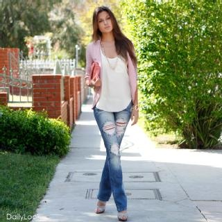 Distressed Jeans, Ripped Jeans, Soft Pink, Blue Jeans, Looks Casual, Blazers Jeans, Cute Outfit, Dusty Rose, Pink Blazers