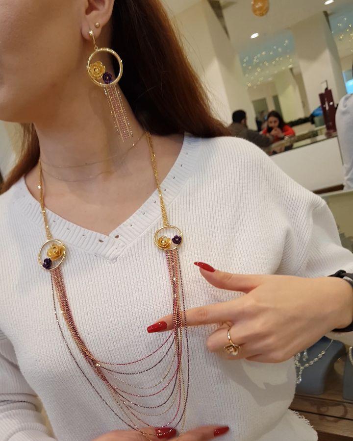 609 Likes 15 Comments Moskva Univermagi 2 Ci Mertebe Sansi Jewellery On Instagram Qizlar Bu Gozəlkik Dəstimiz Gəldi Ki Necklace Gold Necklace Jewelry