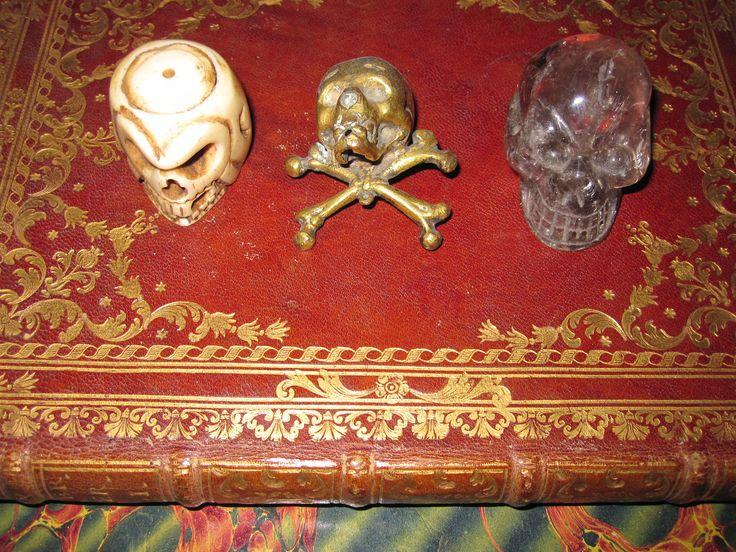 Memento mori. marfil, plata dorada y cristal de roca. s. XVII-XVIII