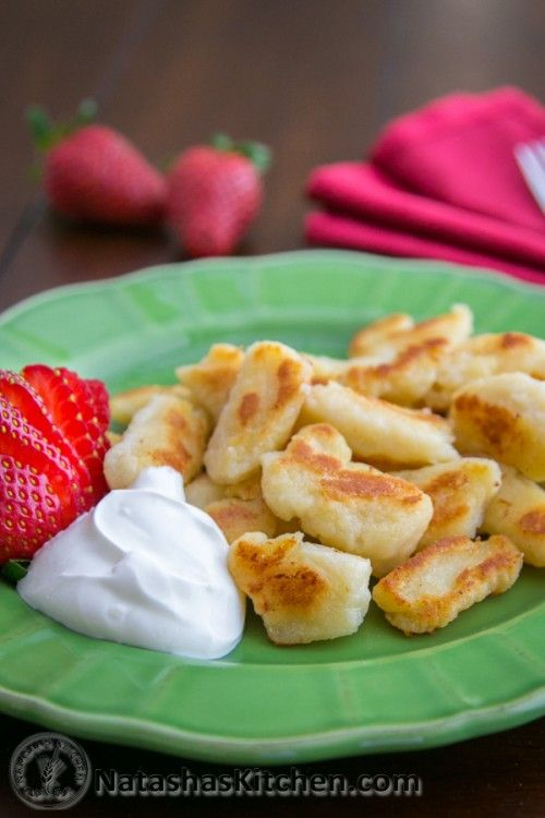 A must try cheese dumplings recipe with Ricotta cheese. These lazy vareniki are very easy and require only about 20 minutes, from start to finish to make.