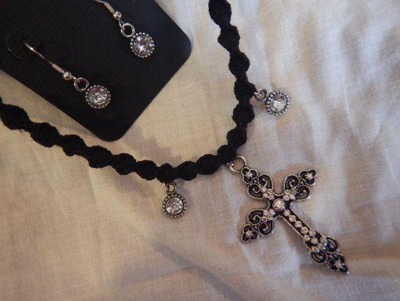 Hemp Necklace kruis ketting oorbellen religieuze door AudzNEndzHemp