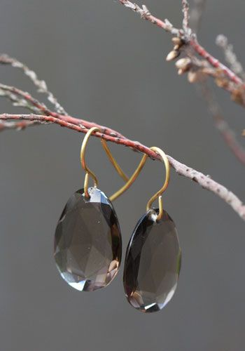 Collier Eugénie liens de perles d'eau douce par Claire de Divonne pour l'Atelier des Bijoux Créateurs, collection mariage.