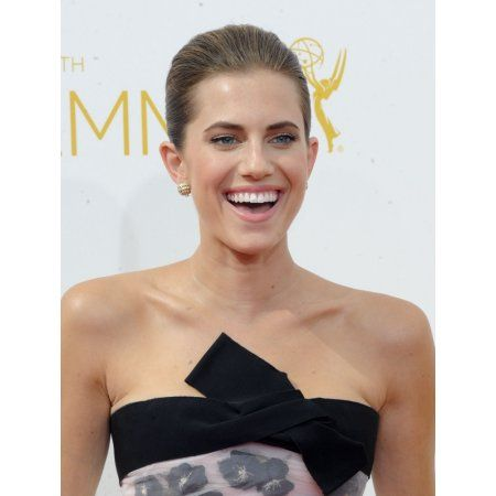 Allison Williams At Arrivals For The 66Th Primetime Emmy Awards 2014 Emmys - Part 3 Canvas Art - (16 x 20)