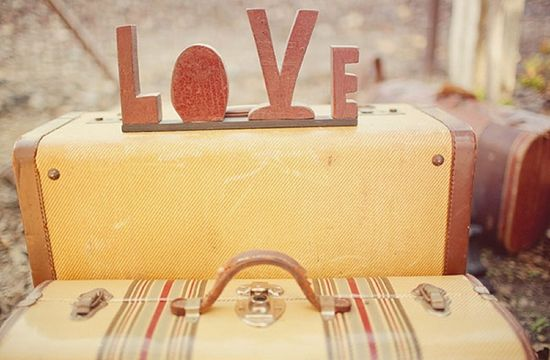 FAB Guide ✈ Packing for a Destination Wedding | Fly Away BrideFly Away Bride