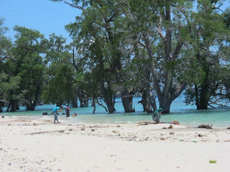 Pantai Lhok Mee Menikmati Indahnya Pasir Putih di Aceh - Aceh