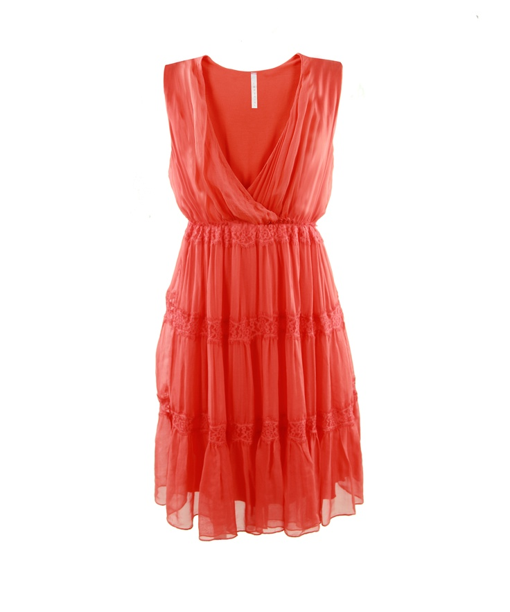 Ladylike dress in coral hues