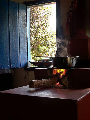Comida feita em fogão caipira é sempre mais gostosa!