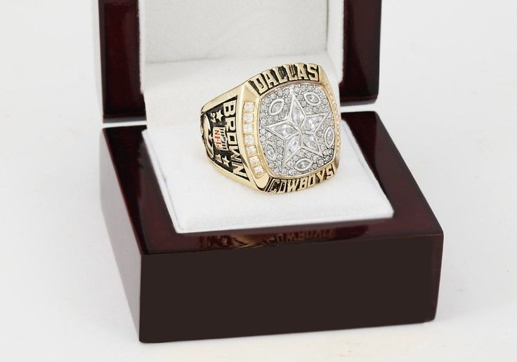 1995  Dallas Cowboys NFL Super Bowl Championship Ring 10-13 size with cherry wooden case  t