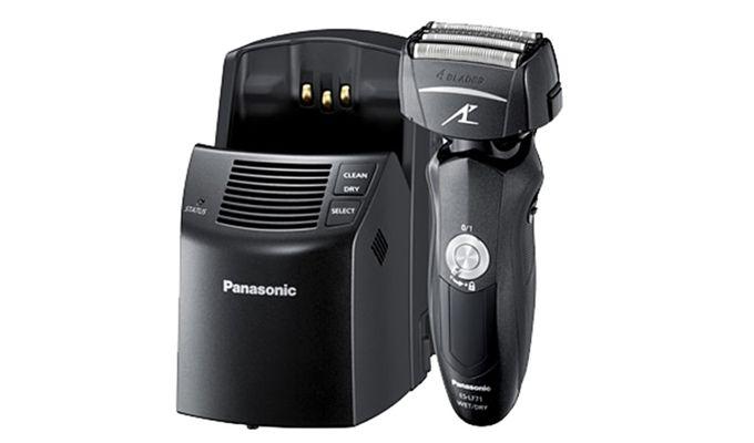 Foarte apreciate chiar și de către cei mai pretențioși consumatori, aparatele de ras electrice Panasonic Arc 4 încorporează tehnologii inovative și oferă performanțe remarcabile.