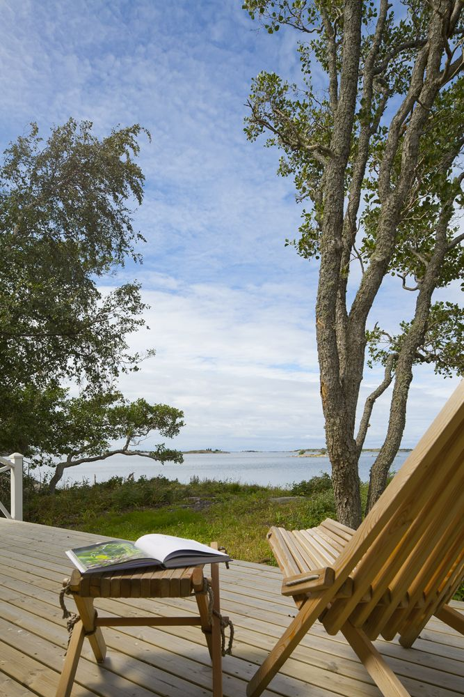 Relaxing by the sea. Honka Log Homes.