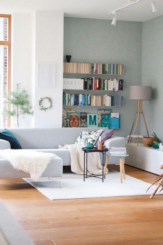 Schon DieartigeBLOG   Wandfarbe Salbei Im Wohnzimmer, Perfekt Zum Grauen  Freistil Sofa, Trendfarbe 2018