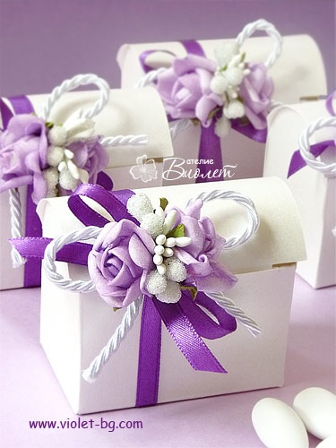 Favor box, #bomboniere, #purple, #wedding from www.violet-bg.com/