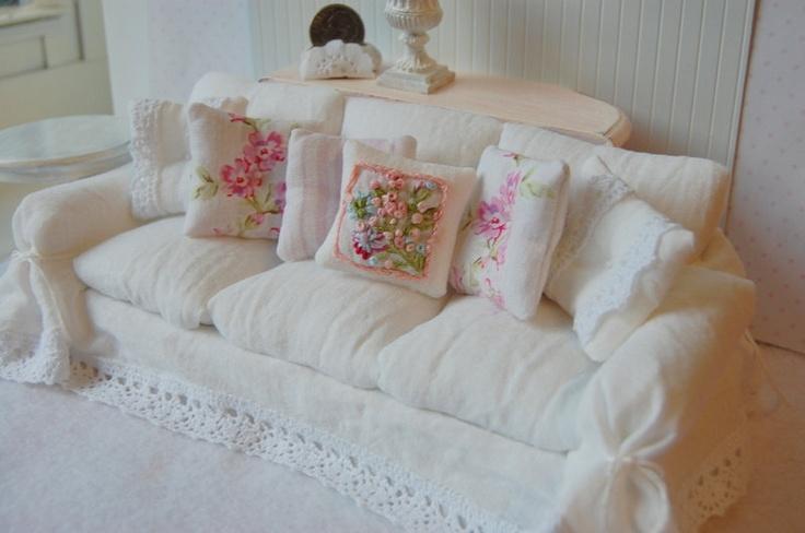 dollhouse miniature shabby chic white wrinkle slipcover sofa. Black Bedroom Furniture Sets. Home Design Ideas