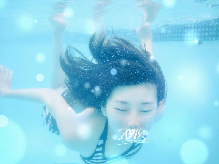 Hello #2018  - - - #underwater #underwaterphotography #newyear #girl #blue #light #pictures #photo #photooftheday #photography #color #nz #newzealand #auckland #hotspring #swimming #swimmingpool #day #summer #canon #canonphotography
