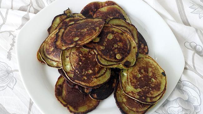 recept courgette pannenkoeken. Smaken echt als gewone pannenkoeken, maar dan gezonder en met groenten!