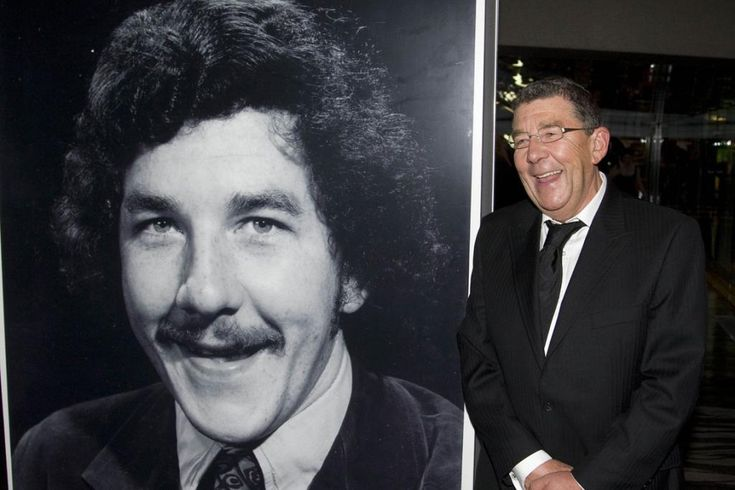 New Zealand TV icon Sir Paul Holmes has died aged 62.