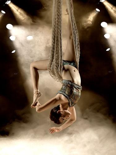 Midget charlie brown circus