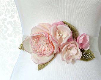Sash mariée floral - Bouquet Rose rustique Bridal Sash - rustique Sash mariée Belt - ceinture de robe de mariage pays - Style ukrainien