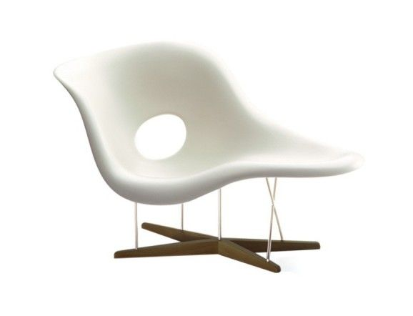 Eames La Chaise CE94