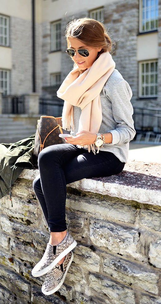 #fall #fashion / cream scarf + gray knit