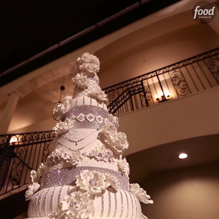 This Outrageous Crystal Cake required 72 dozen eggs and 28 pounds of crystals!