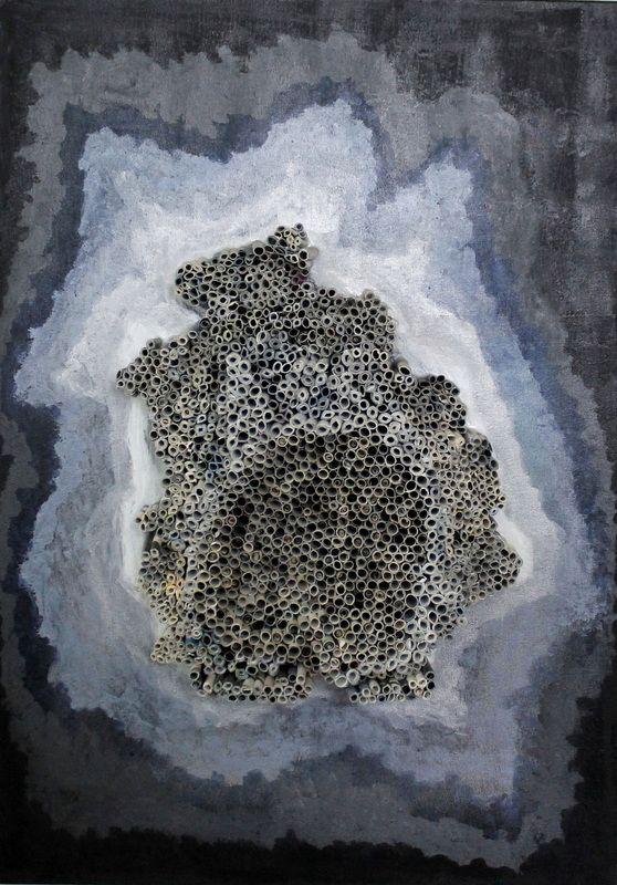 tridimensionais - grace ivo COM-FORMAÇÃO, técnica mista sobre tela, 0,70x0,50 m, 2014