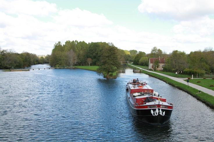 Sur le Canal du Nivernais...