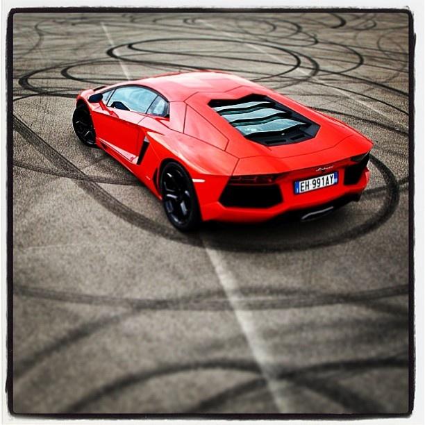 spectacular lamborghini aventador matte red wow luxury car lifestyle pinterest lamborghini aventador lamborghini and cars