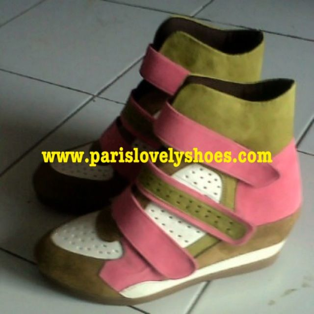 Order shoes with your own style More Information add my PIN BB Anni Effendi 233FD7A2 and Lie Mey Yung 32A6E0BD.