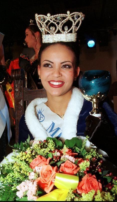 Lola Odusoga oli vasta 18-vuotias, kun hänet kruunattiin Miss Suomeksi.