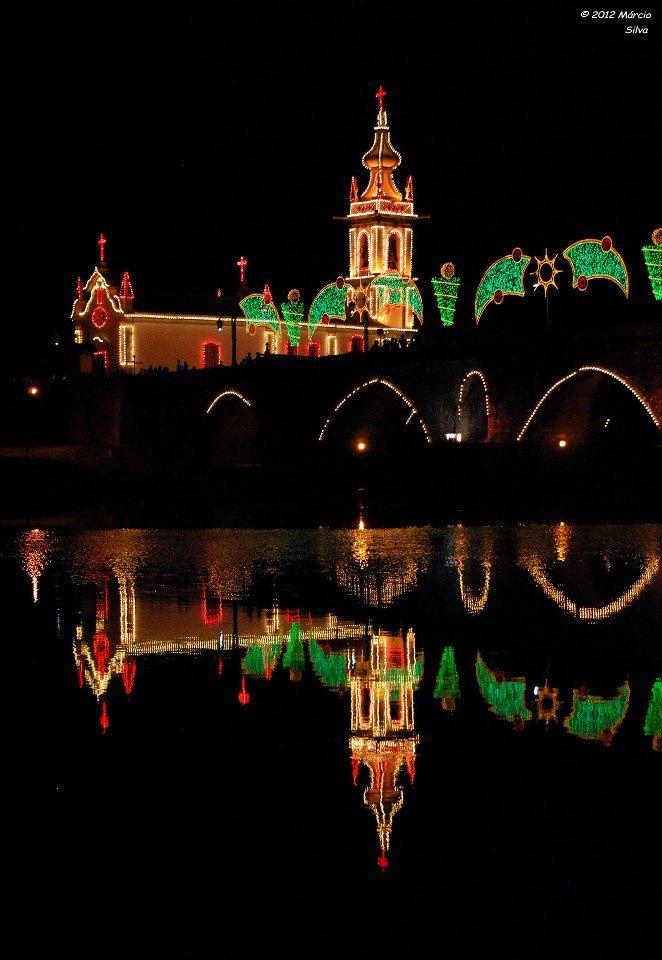 Iluminação da Igreja e da Ponte nas festas do Concelho. Feiras Novas.