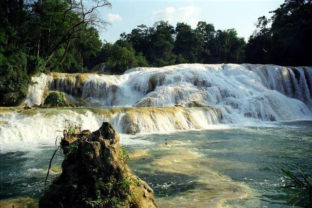 NINIVEMAIL: Misol-Ha Kaskádové vodopády Agua Azul uprostřed dž...