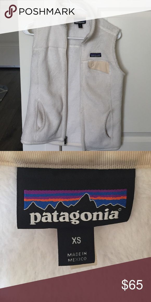 Patagonia Fleece Vest Brand new, perfect condition. White Patagonia fleece vest size XS. Worn gently a hand full of times. Patagonia Jackets & Coats Vests