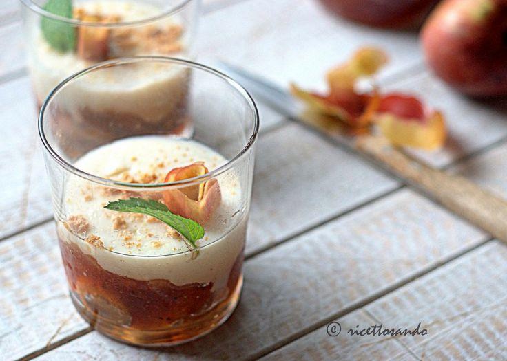 Tumbler di marmellata di mele e budino alla vaniglia