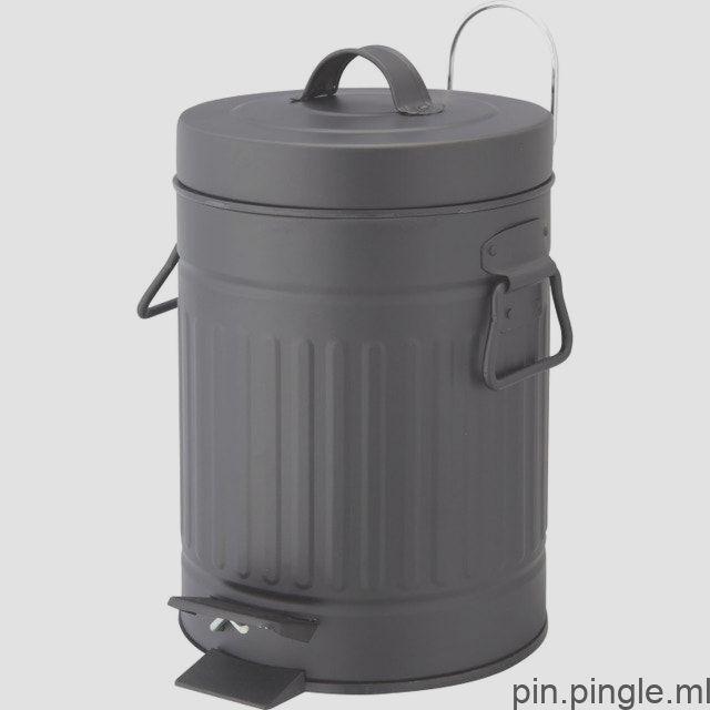 Une Douche A L Italienne Dans Une Salle De Bains Nature Leroy Merlin Compost Bin Compost Indoor Garden