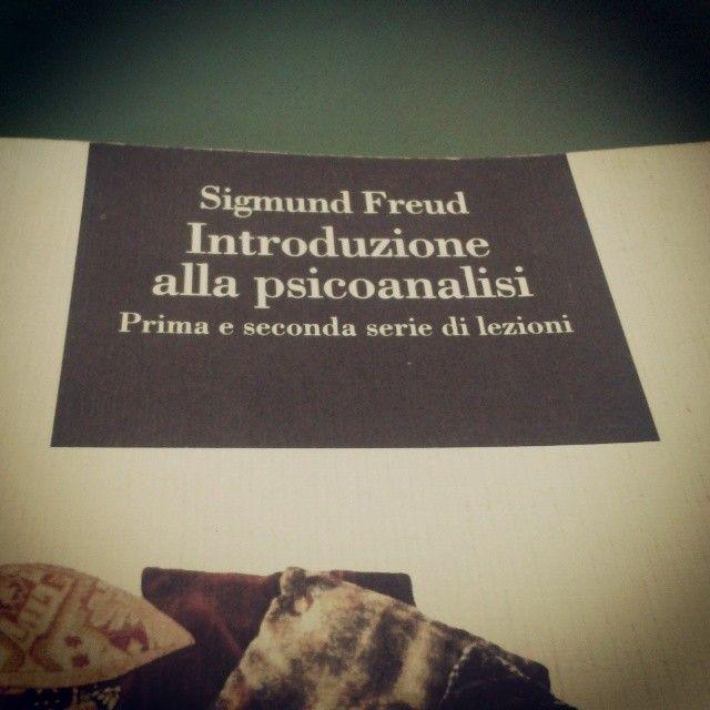 Direttamente dalla libreria del mio studio... Buon compleanno Sigmund!
