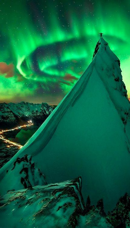 Aurora.. Svolvær, Norway | Flickr - Photo Sharing! Flickr by Max J R (ABWWN)