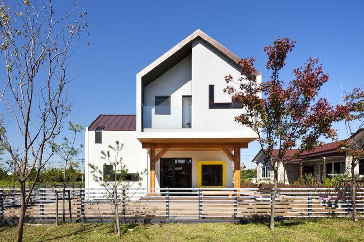 arhitectura contemporana casa structura lemn volume suprapuse