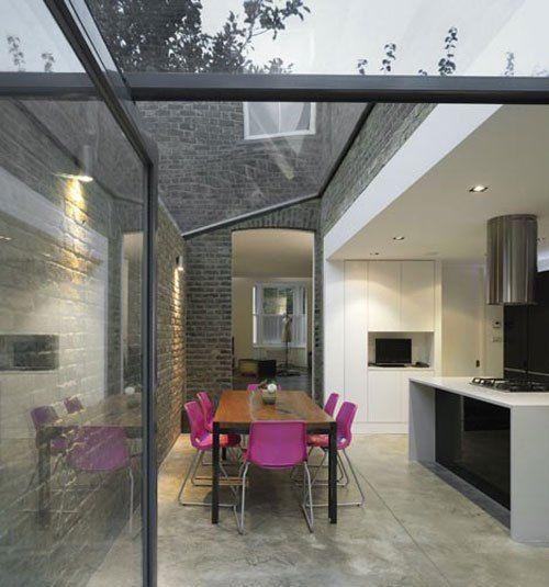 Teto de vidro direcionado na cozinha/sala de jantar
