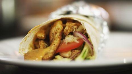 Eén - Dagelijkse kost - dürüm met kip en pittige dip | Eén