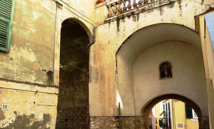 Bordighera (IM) - centro storico del Paese Alto