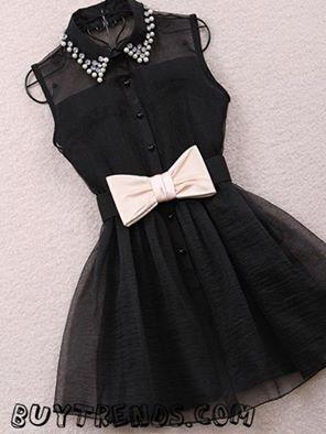 vestido negro con lazo blanco- si lo combinas con unos zapatos blanco de tacon alto estaras que romperas !!