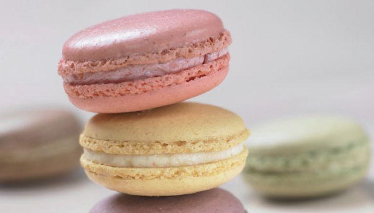 Los macarons se conocen en Francia desde el siglo XVI, cuando Catalina de Médicis llegó de Italia para casarse con Enrique II y llevó sus propios dulces. L