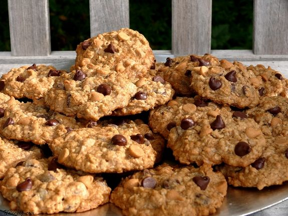peanut butter and milk chocolate oatmeal cookies