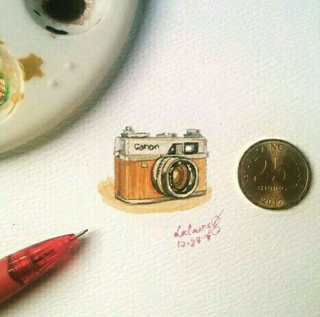Vintage Canon Camera Miniature Painting by Lalaine Garcia #miniaturepainting #1inch #miniature