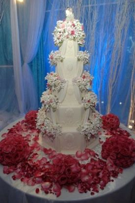 outrageous wedding cakes 1000 images about wedding cakes on 18088