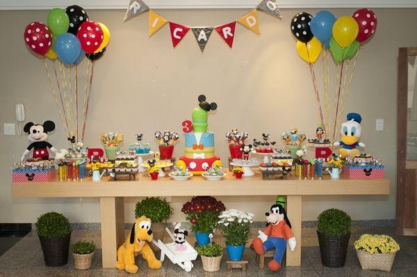 Mickey Mouse e sua turma voltam a ser tema de festa infantil!